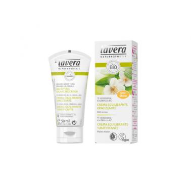 Crema equilibrante matificante te verde Lavera, 50 ml.